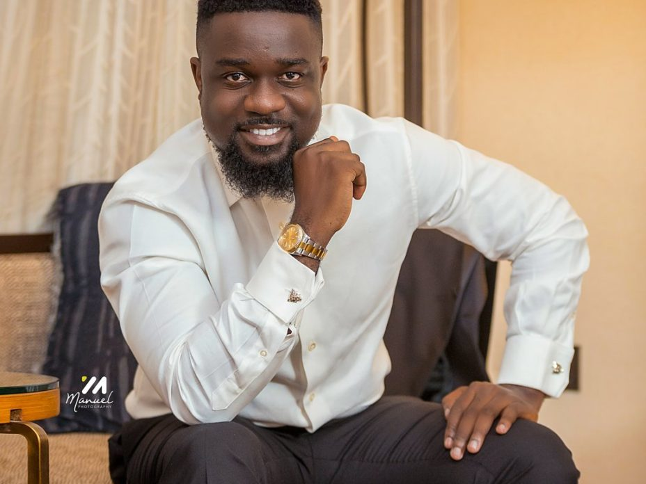 Sarkodie's Oofeetsɔ historically tops youtube's trending list for a week.